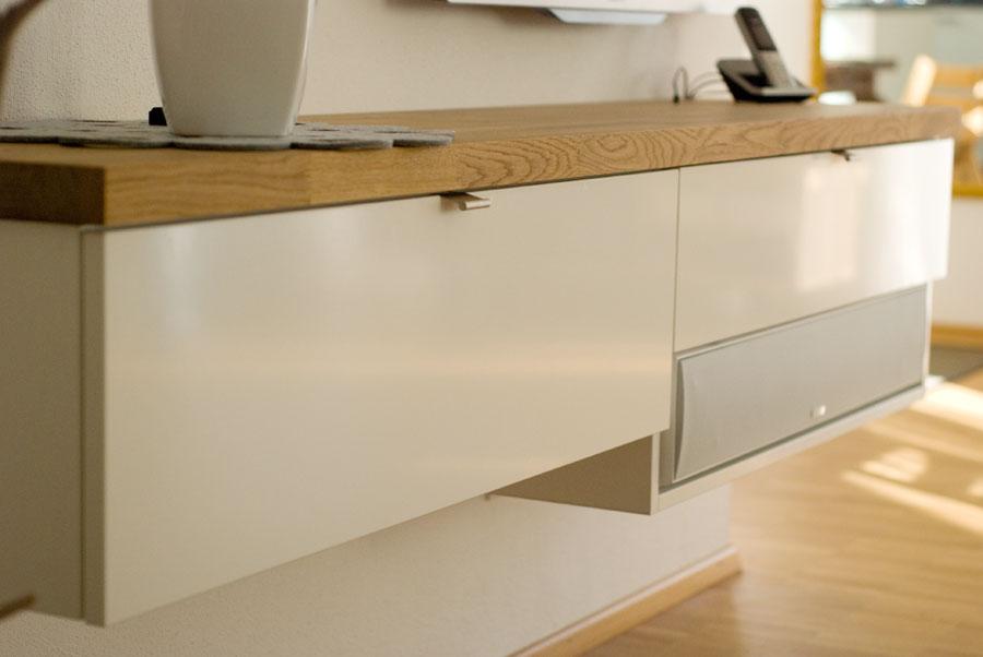 lowboard kunststoff in wei hochglanz. Black Bedroom Furniture Sets. Home Design Ideas