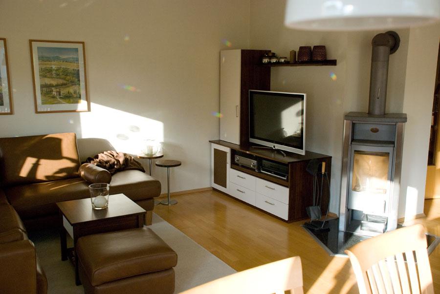 wohnzimmer nussbaum weiß:Wohnzimmer TV-Wand, Nussbaum massiv