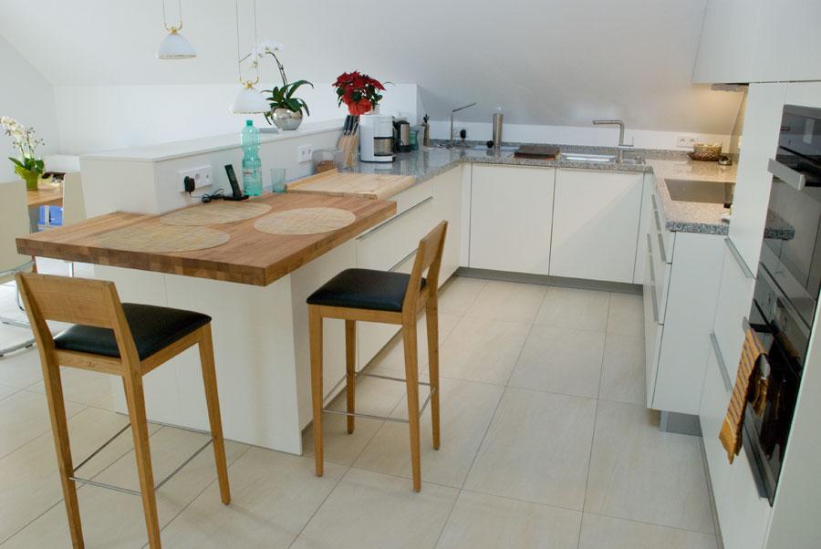 Offene kuche schranke mit gleitturen for Stehtisch küche