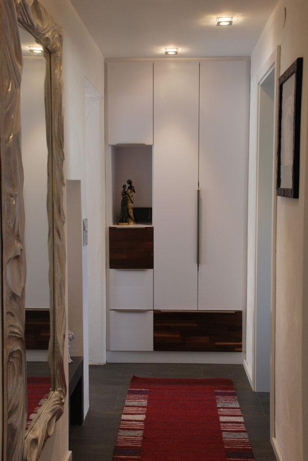 garderobe mit zwei einbauschr nken. Black Bedroom Furniture Sets. Home Design Ideas