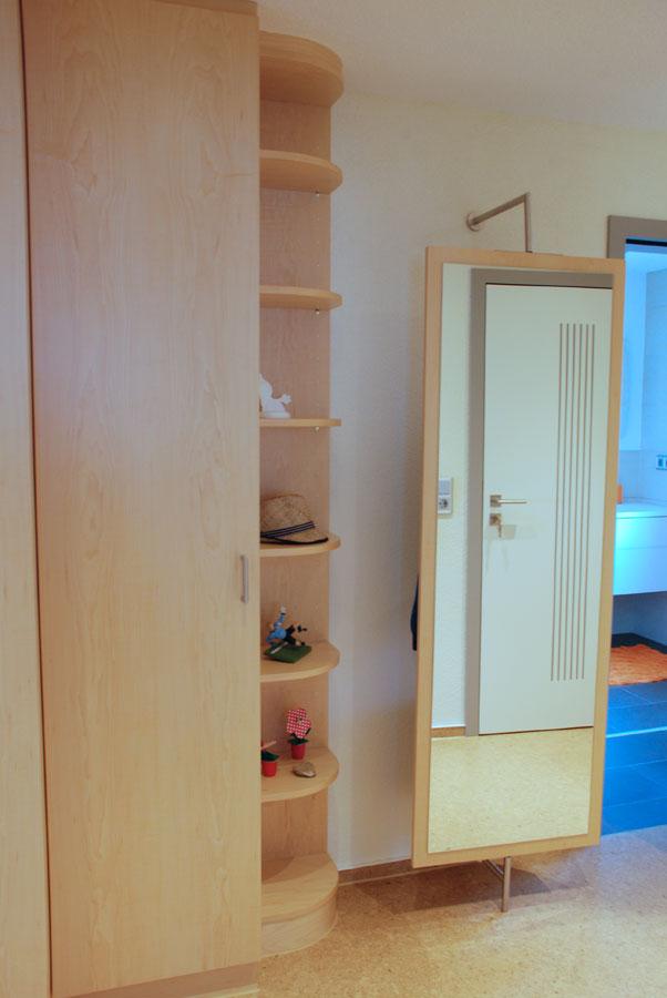 garderobe und zimmert ren. Black Bedroom Furniture Sets. Home Design Ideas