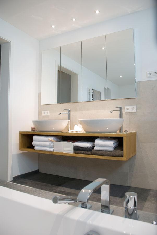 parkett badm bel und k che. Black Bedroom Furniture Sets. Home Design Ideas