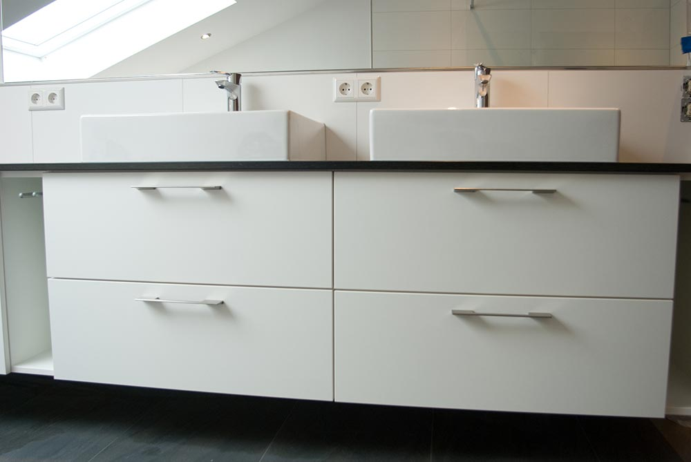 badunterbau in kunststoff weiss. Black Bedroom Furniture Sets. Home Design Ideas