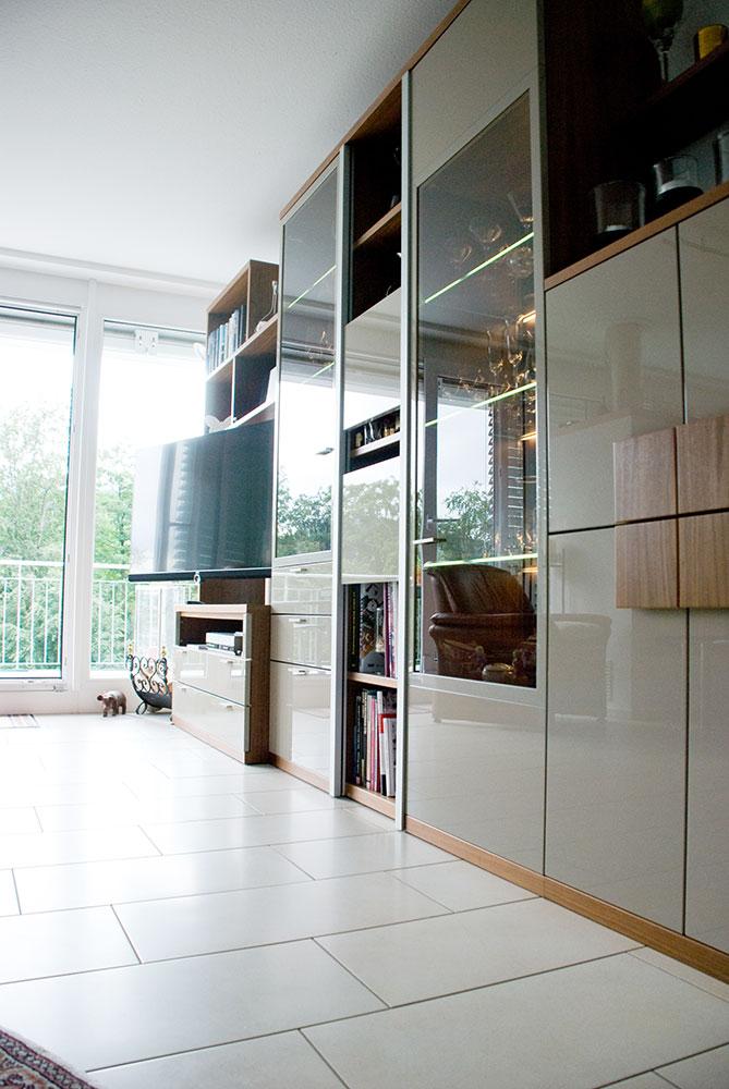 Wohnzimmerwand for Wohnzimmerwand echtholz