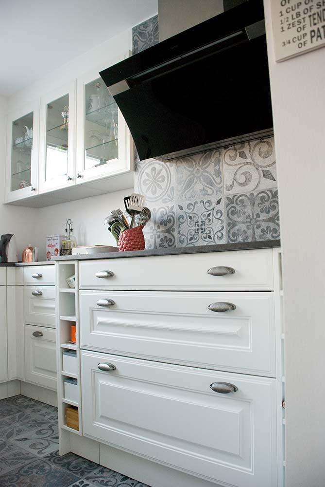 bad im landhausstiel. Black Bedroom Furniture Sets. Home Design Ideas