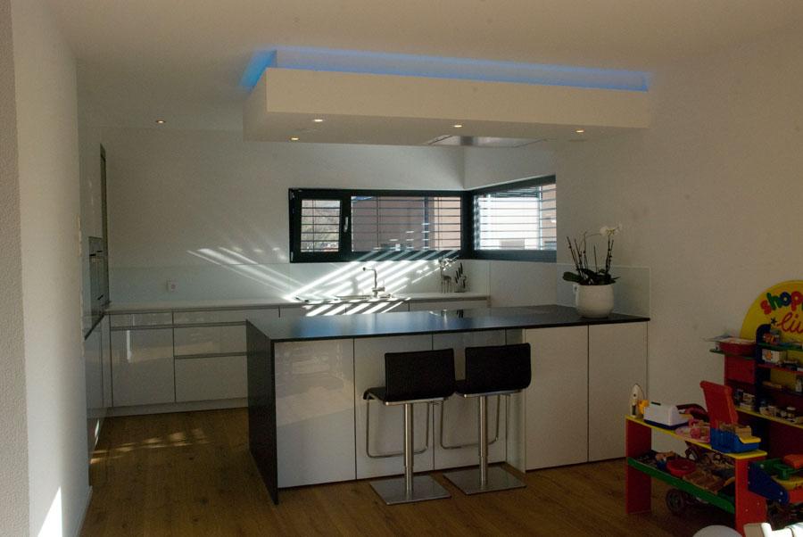 kche hochglanz weiss top einrichten ein optimales und charmantes innendesign schaffen with kche. Black Bedroom Furniture Sets. Home Design Ideas