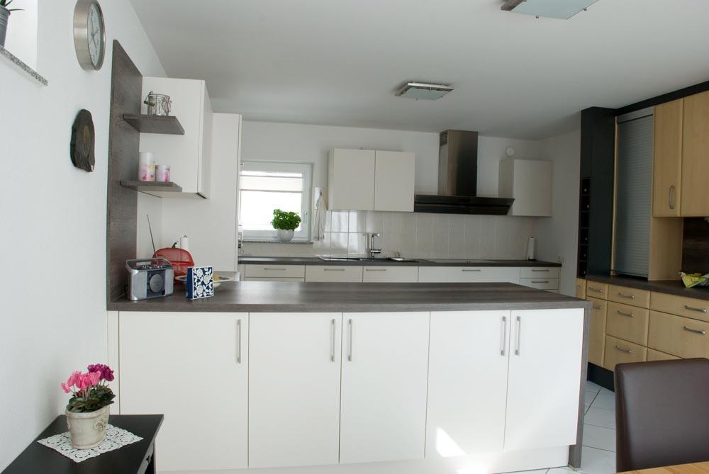Neue Küche mit vorhandener Küchenzeile kombiniert