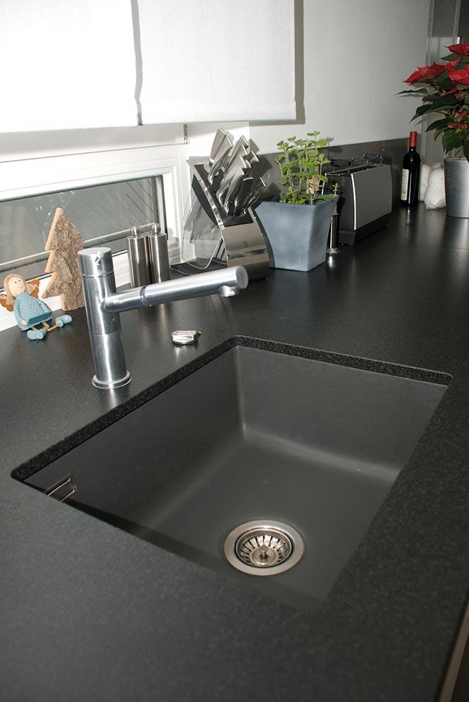 moderne k chen mit kochinsel grau kreative ideen f r ihr. Black Bedroom Furniture Sets. Home Design Ideas