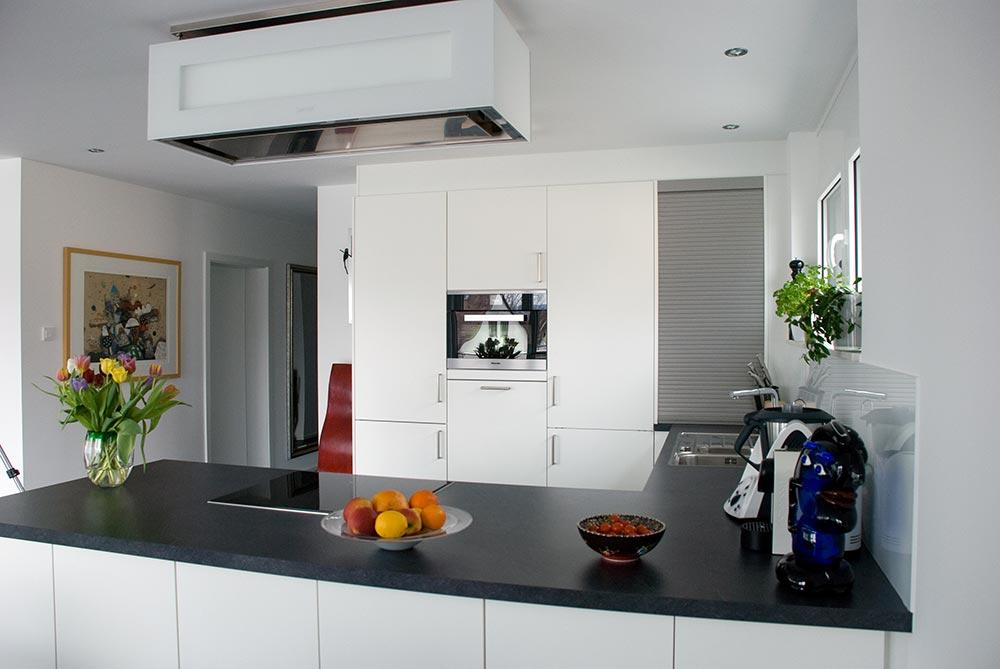 k che und sideboards. Black Bedroom Furniture Sets. Home Design Ideas