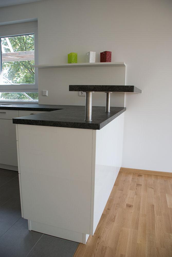 kche mit backofen oben gallery of kche mit khlschrank backofen waschbecken mikrowelle with kche. Black Bedroom Furniture Sets. Home Design Ideas