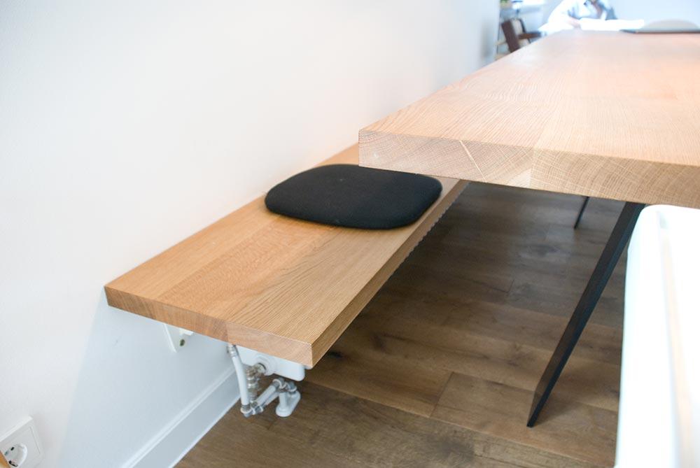k che mit esstisch und bank. Black Bedroom Furniture Sets. Home Design Ideas