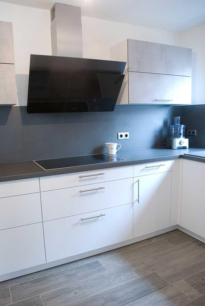 Küche und Garderobe