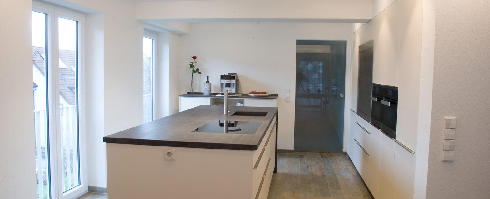 grifflose k che in wei matt. Black Bedroom Furniture Sets. Home Design Ideas